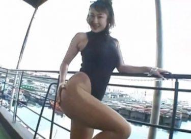 【沢地優佳】黒レオタードで強調される美脚やお尻が魅力的‼